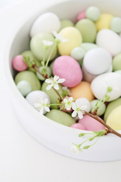 Easter pastels. Doesn't link to this image but can search this blog for Easter tagged posts and there are some nice ideas.