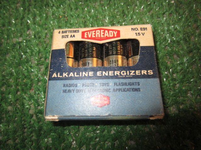 Vintage Eveready Alkaline Batteries Union Carbide Corp Ny 2 80 4 Aa Alkaline Battery Energizer Alkaline