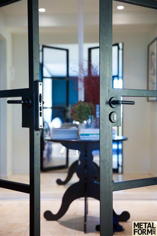 Metal door with glass – Metalform AS