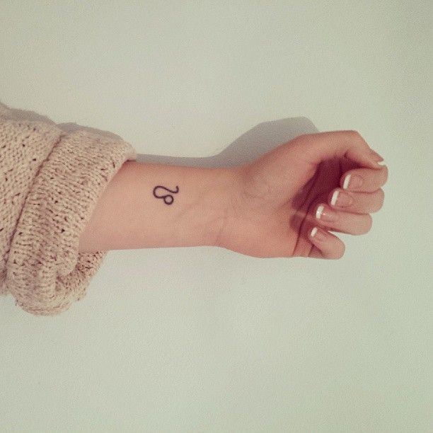 102 Small Tattoo Ideas For Your First Ink Small Wrist Tattoos Zodiac Tattoos Small Tattoos
