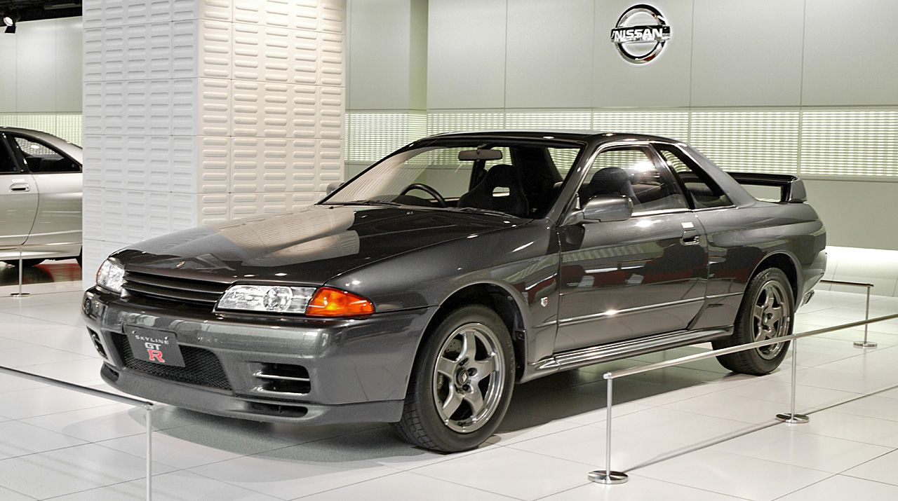 If a new nissan gt r went back in time to the 90s