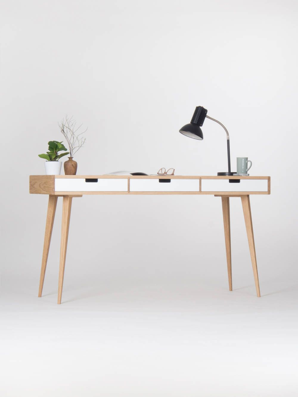Pin By Iran Lopez On Estudio In 2020 Home Office Desks Study Desk Diy Desk