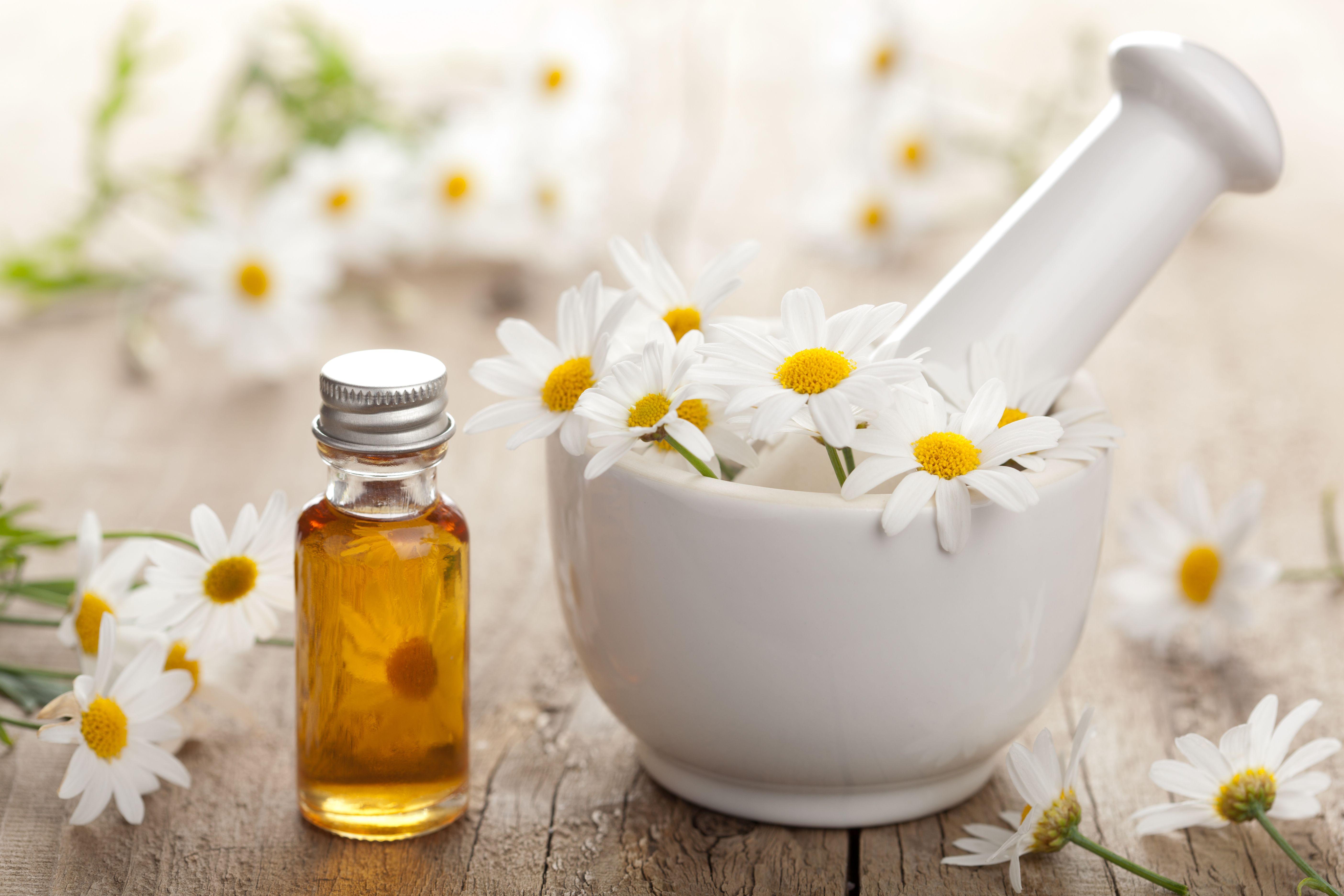 DIY Chamomile Face Toner Essential oils for rosacea