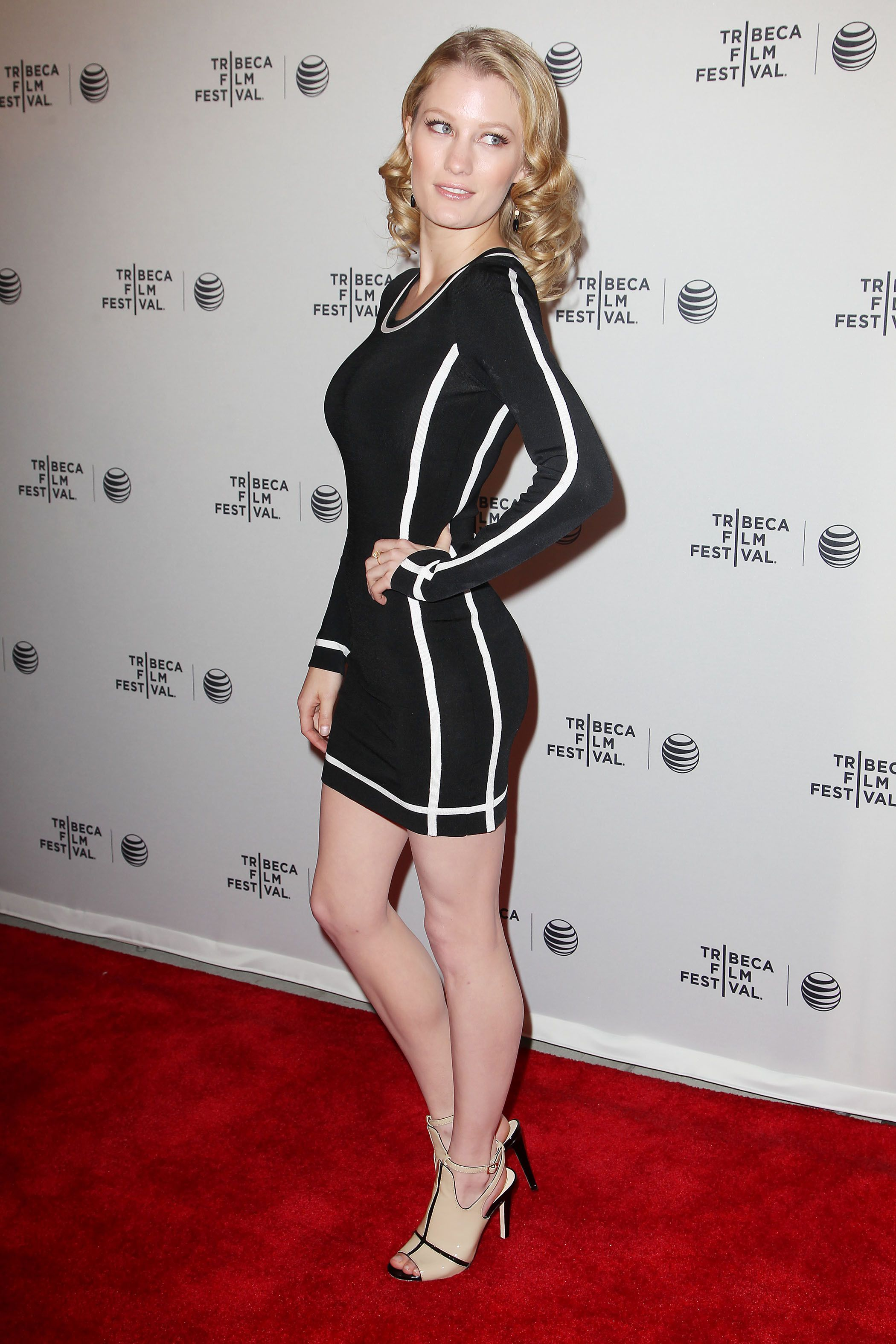 Ashley Hinshaw Nude Photos 47