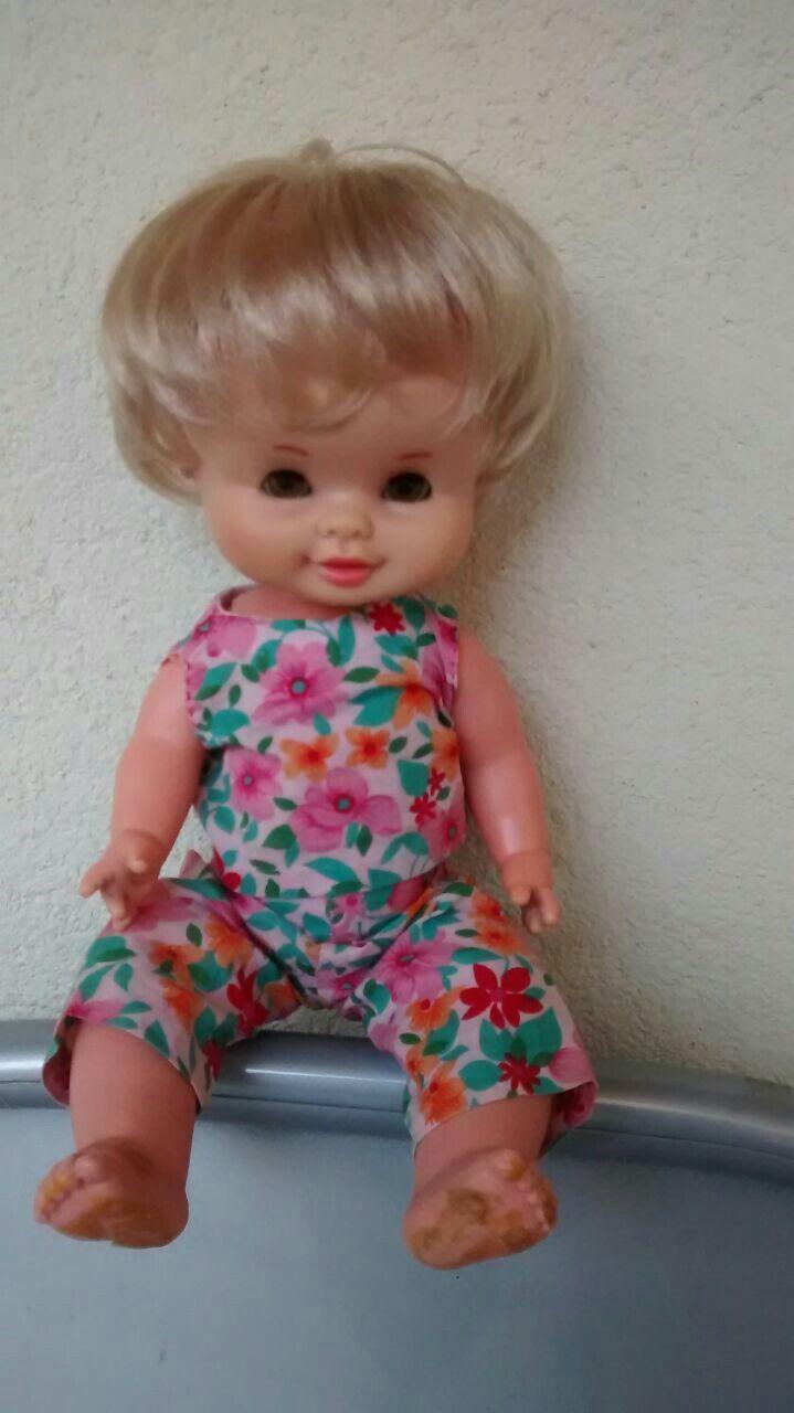 Muñeca de famosa, Sole posiblemente, 31cm, ojos margarita marrones, catalogo 1972. Cambiaría por barriguitas.