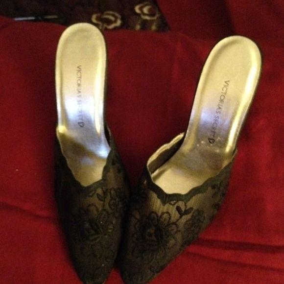 Victoria's secret lace pumps Very sexxxxy lace pumps!!! Victoria's Secret Shoes Heels