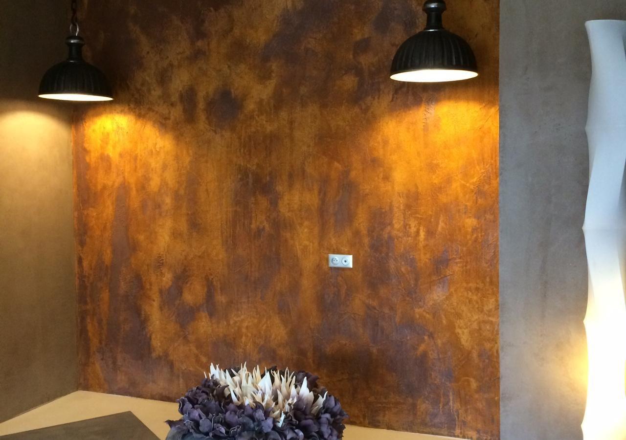 Trouvez Le Professionnel Adaptee A Vos Besoins Avec Eclairage Decoratif Parement Mural Peinture Effet Rouille