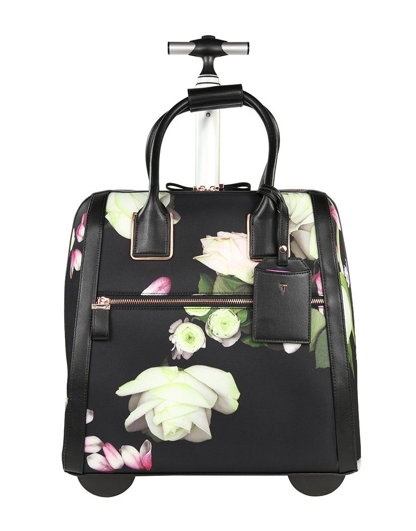 03f481ed5 Holiday travelling has never been so easy thanks to the Lebra travel bag.  Conveniently sized
