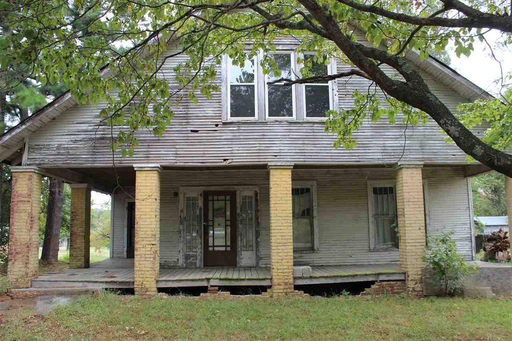 C 1900 Fixer Upper In Friendship Tennessee Reduced To 25k Off Market Old Houses Abandoned Houses Old Houses For Sale