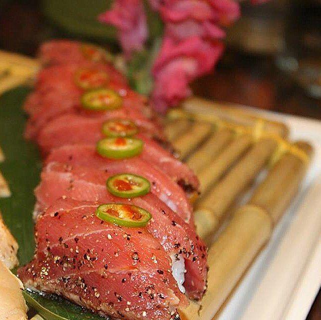 Sensory pleasure. #seared #pepper #tuna #delish #delicious #foodgasm #goodeats #fish #finedining #sushilovers #LA #sushitime #OC #sushiparty #sushigram #sushi #igfood  #igersoftheday #instasushi  #instaart #tataki #bestoftheday #finestfood #healthyeats #yummy #proteins #kenjicuisine  #customshop #flavorful #greattimes by kenjicuisine