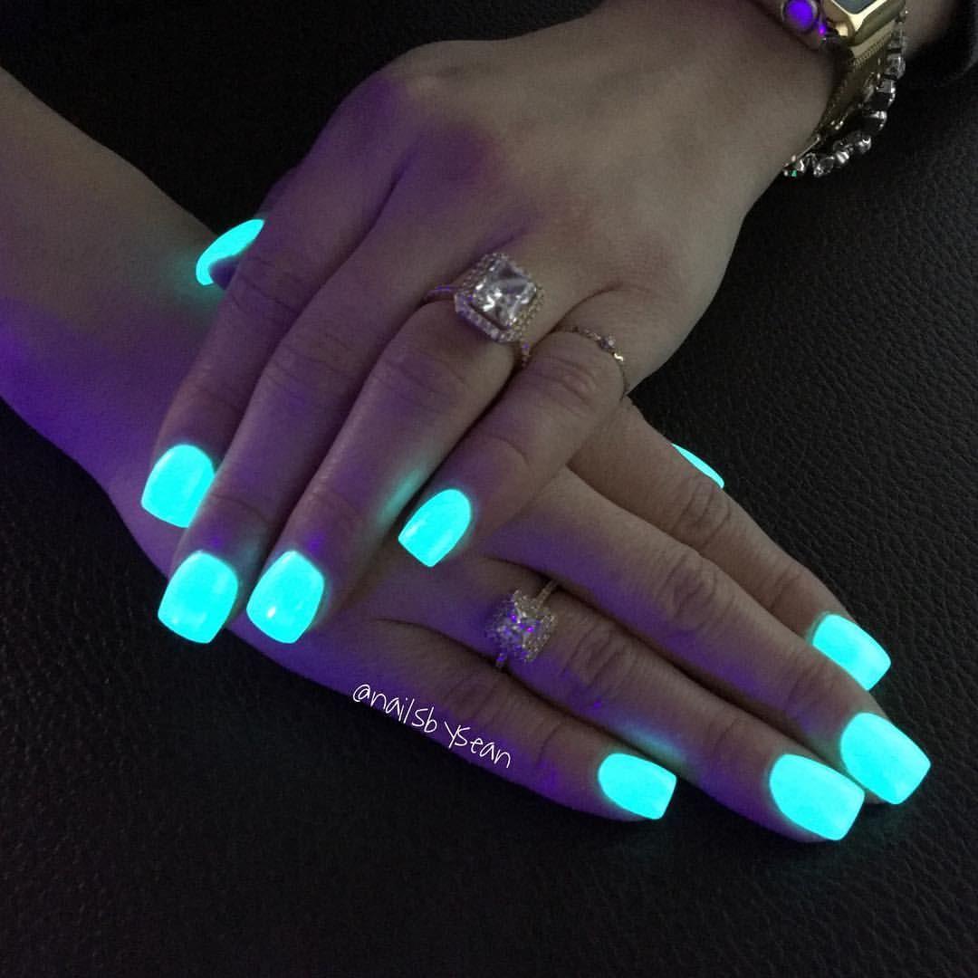 Now You Won T Be Afraid Of The Dark Anymore Glowinthedarknails Nails Acrylic Naildesigns Nailar Unhas Fluorescentes Unhas Desenhadas Unhas De Gel