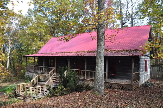 This log cabin is a one of a kind. LANE DRIVE SIGNAL MOUNTAIN TN 37377 #SignalMountainHomesforSale View All Photos: http://www.mysinglepropertywebsites.com/21001