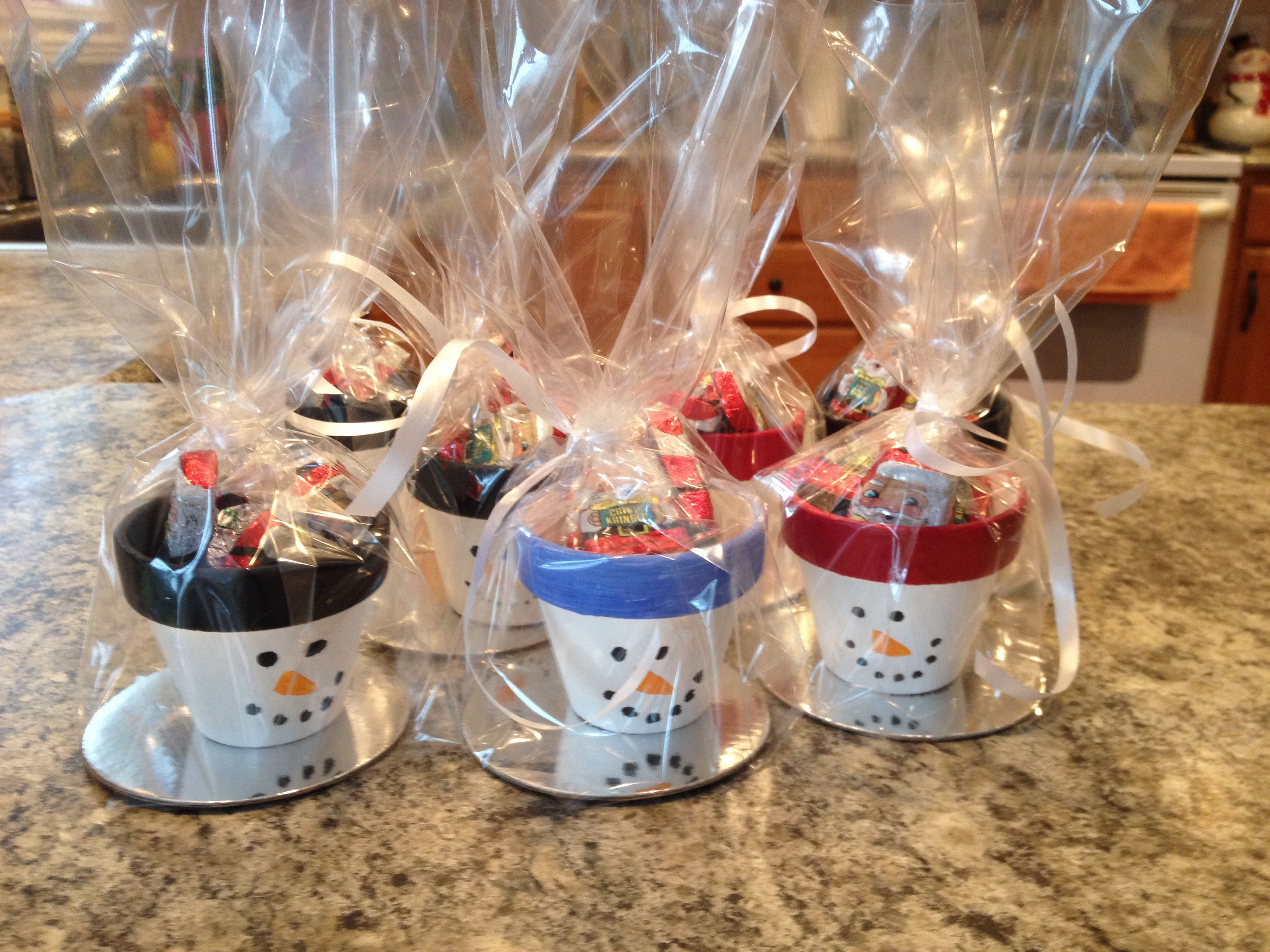 teacher gifts for christmas small topiary pots painted with acrylic paint stuffed with candy. Black Bedroom Furniture Sets. Home Design Ideas