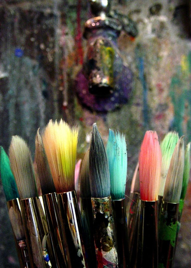 This picture makes me happy with paintbrushes and leftover paint on them .... :)