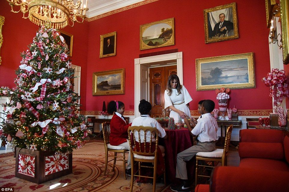 First lady melania trump unveils white house christmas decorations photo gallery video