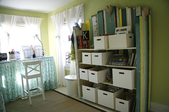 reclaimed wood bookshelf