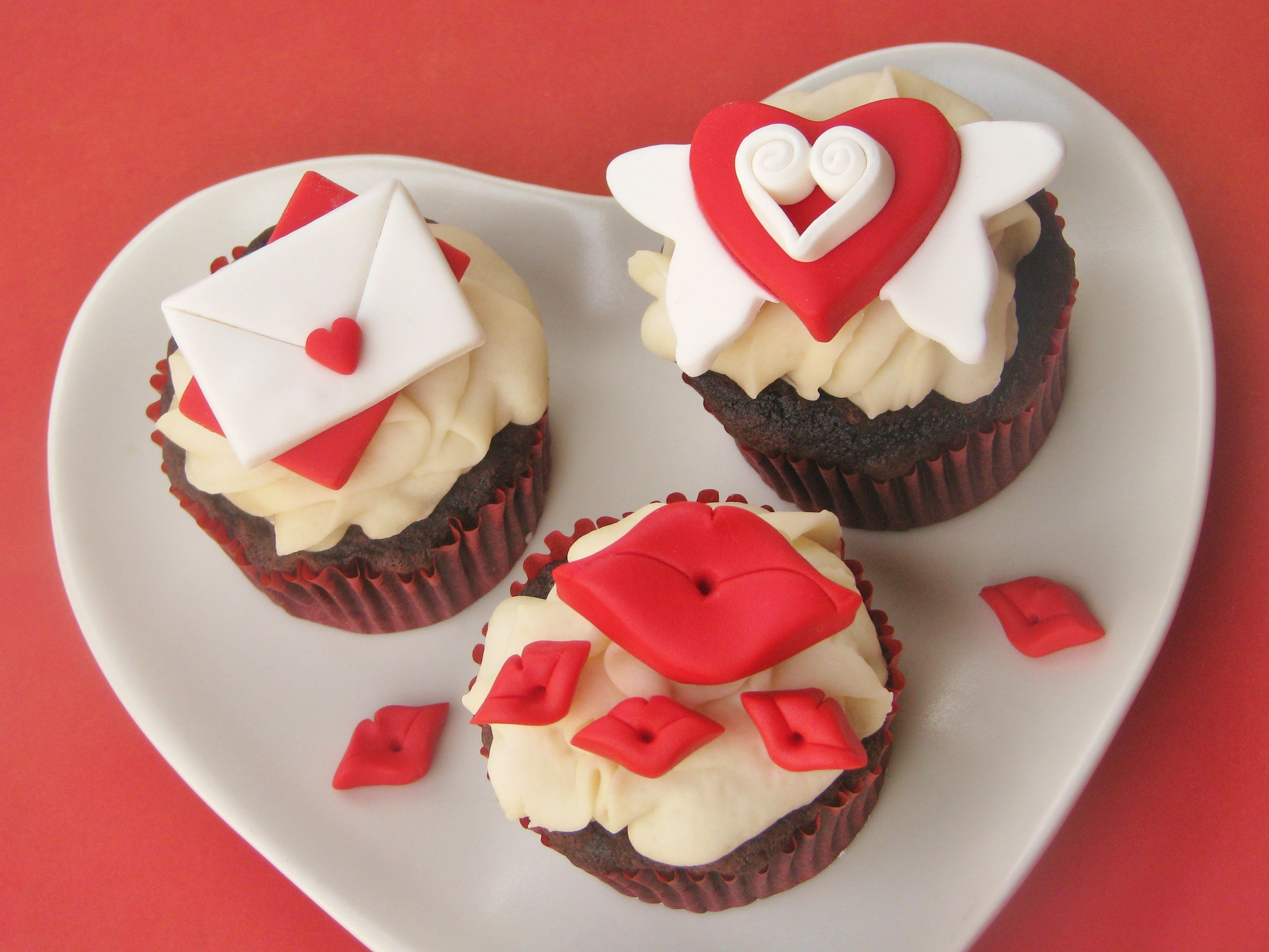 valentines day fondant cupcake topper tutorial cupcake recipe tutorial valentines - Valentine Cupcake Recipes