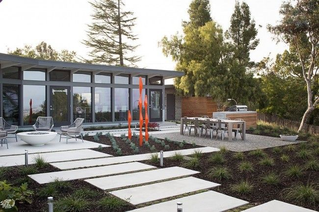 1950s Mid-Century Modern Home Remodeled into a Smart, Contemporary Delight