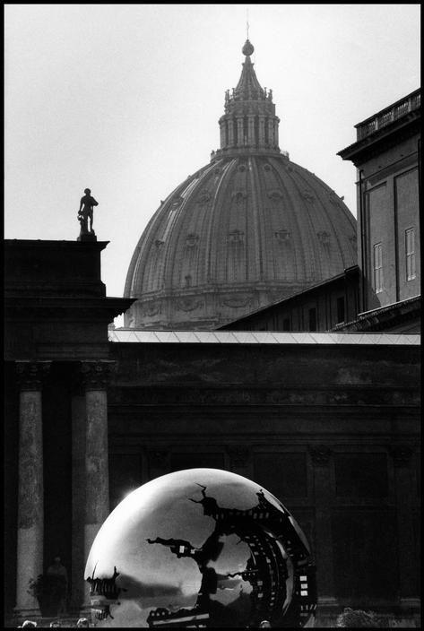 Elliott Erwitt. St. Peter's Basilica, Vatican City, Rome. 1993.
