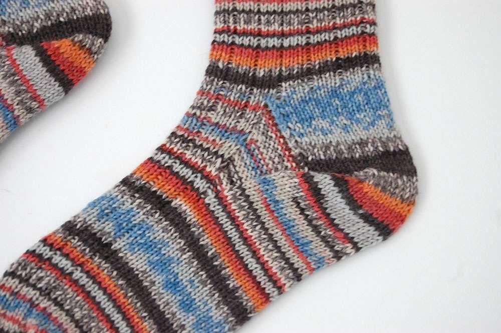 Anleitung: Toe Up Socken stricken aus 6fädigem Garn | Pinterest ...