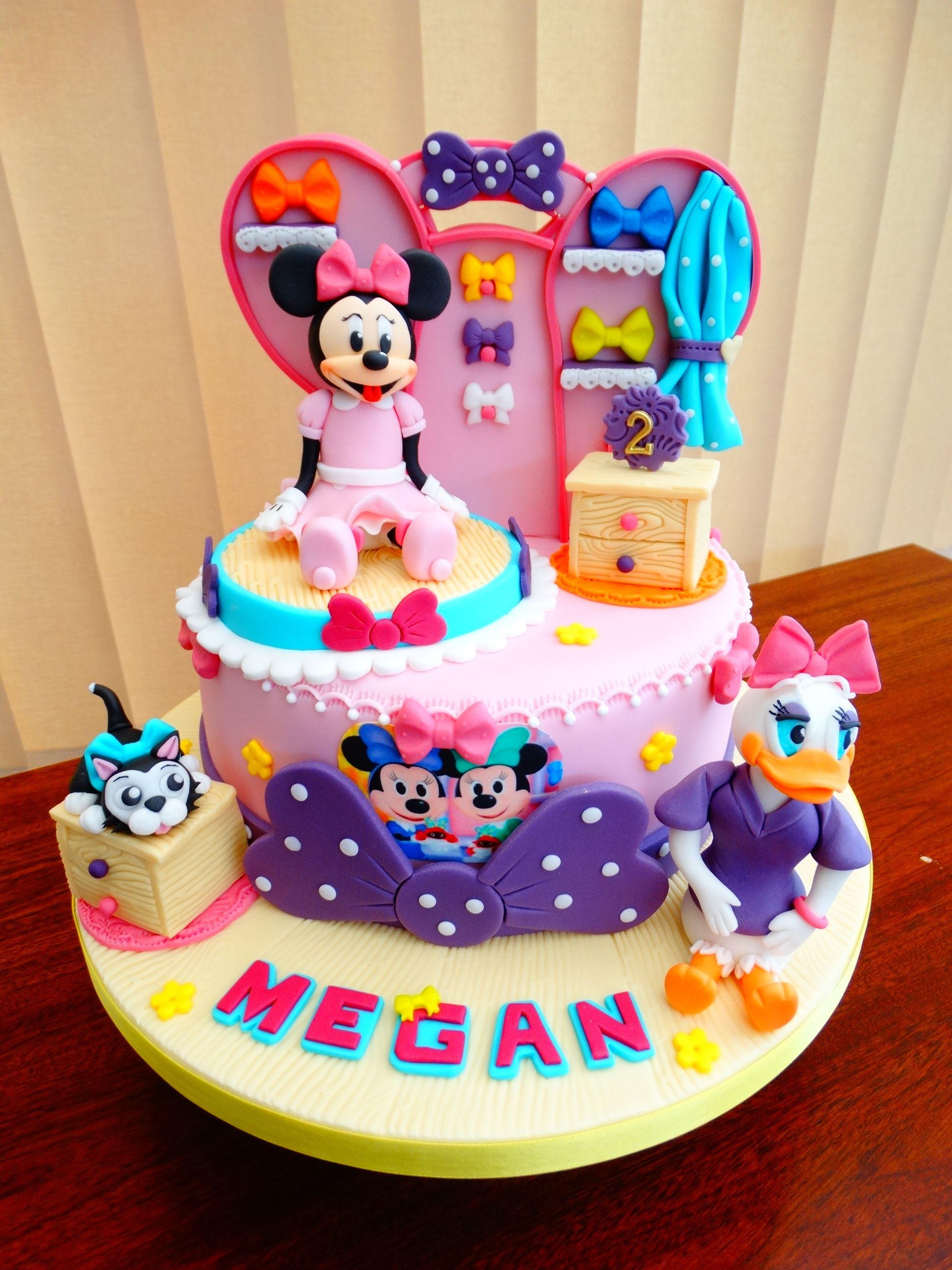 Minnie S Bowtique Cake Xmcx
