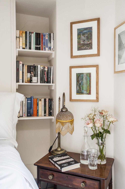 Photo of teen girl bedroom