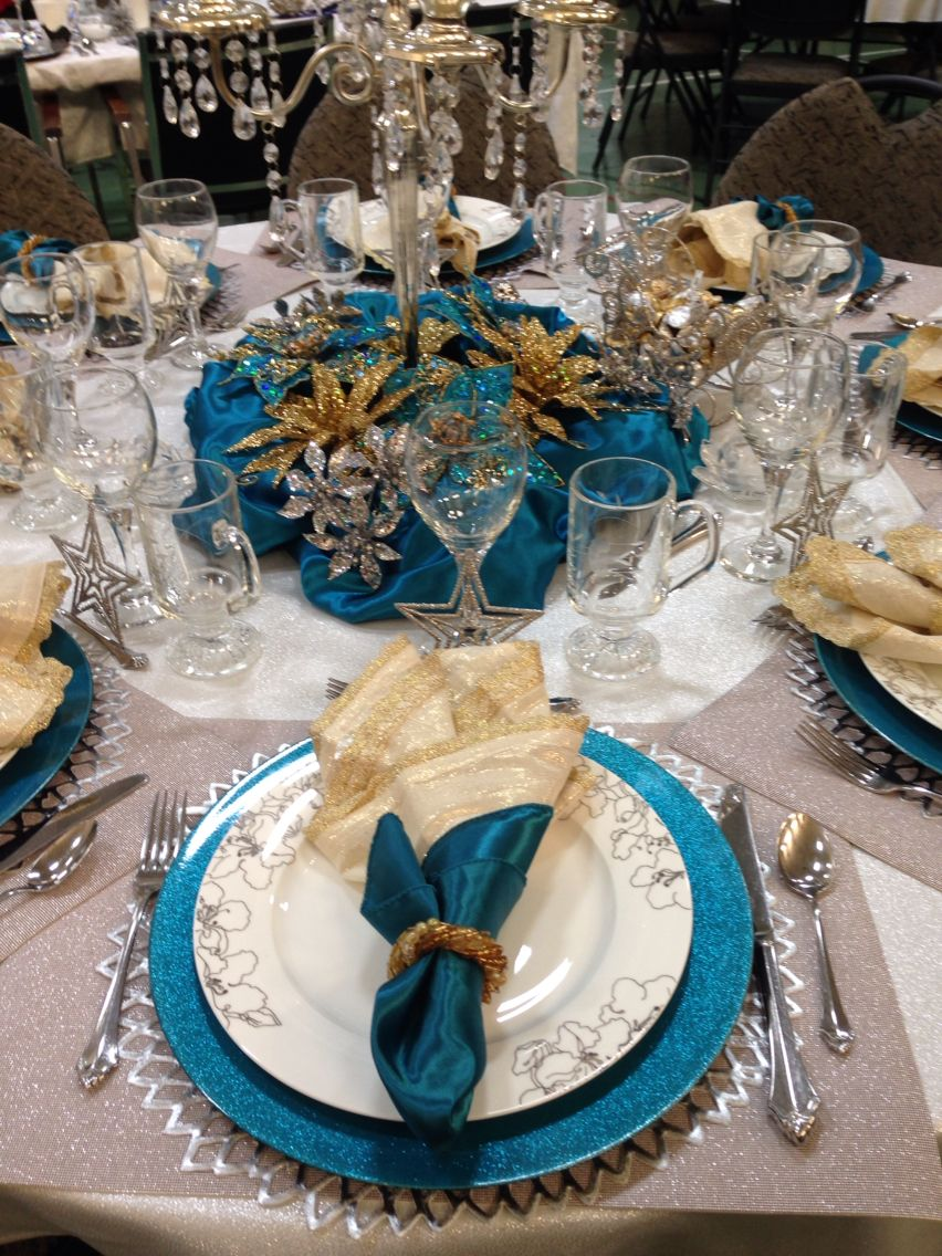 Teal Gold And Silver Table Setting Silver Table Settings Teal Christmas Silver Christmas Decorations