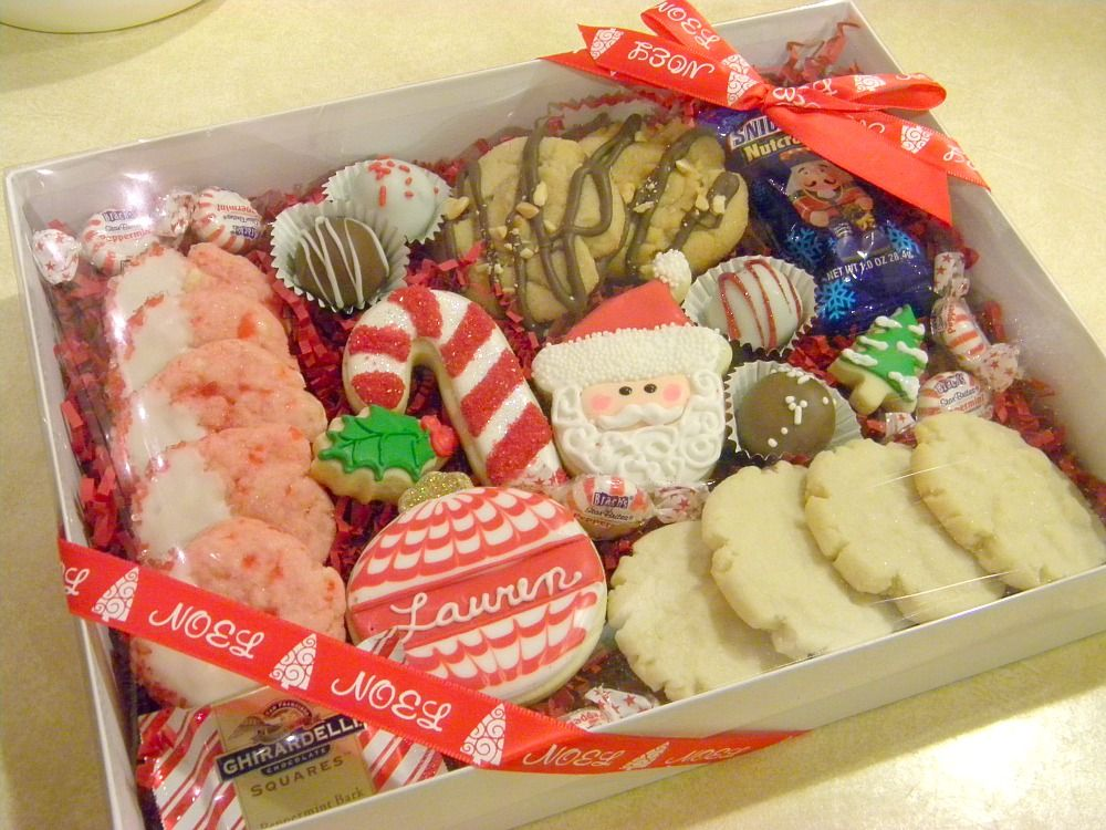 Grab More Customers And Increase Sales On This Coming Christmas Season Alluring Desig Christmas Cookies Packaging Christmas Cookies Gift Cookie Gift Packaging