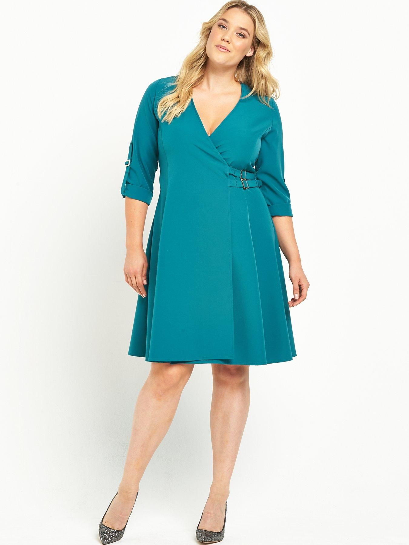 Lost Ink Curve Wrap Dress A wrap dress is a must when it comes to ...