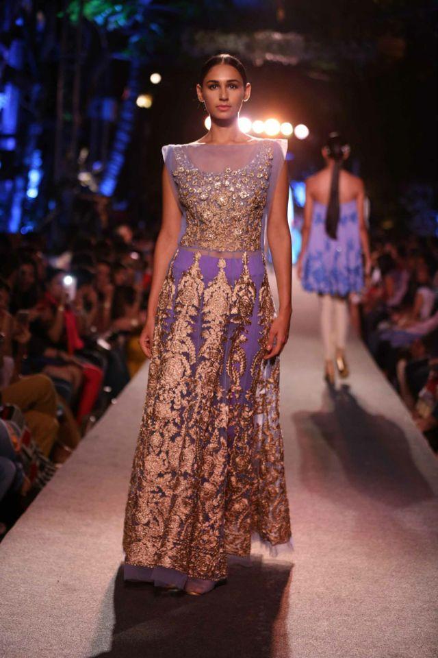 Manish malhotra | Maestro of clothes -MM | Pinterest | Manish ...