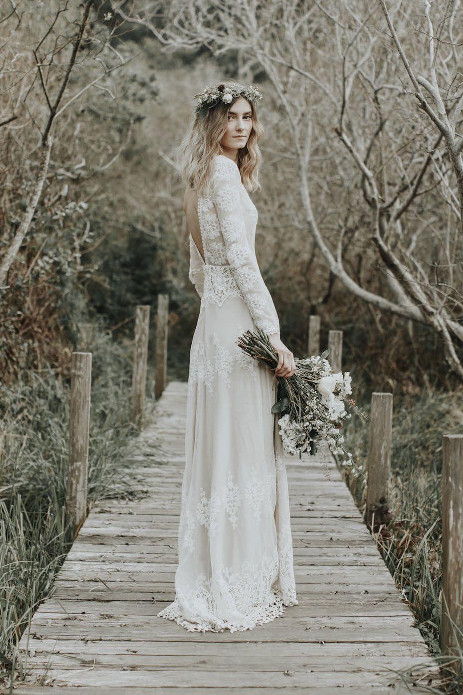 Elegant Long Sleeve Boho Wedding Dress #nikolausbacken