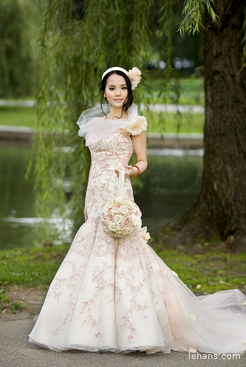 Bride with bouquet, Boston, MA Wedding dresses, Bride