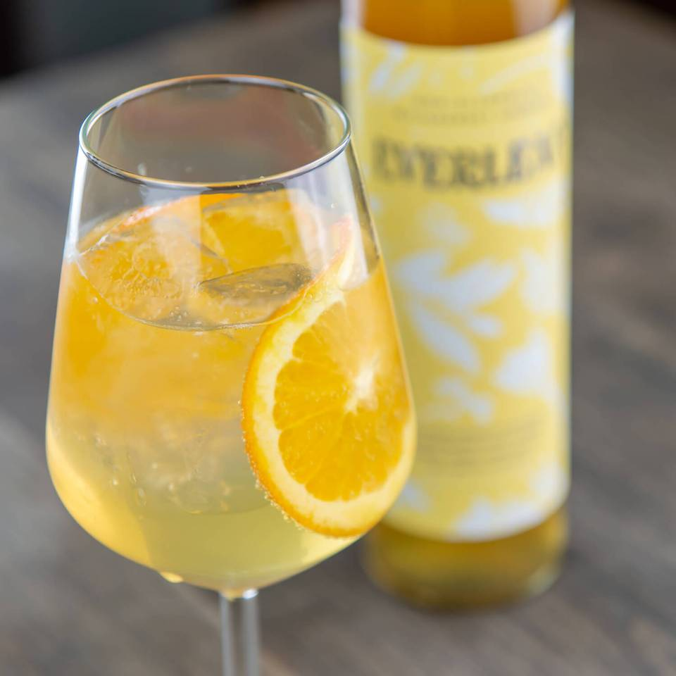 Everleaf is a nonalcoholic bittersweet aperitif drink