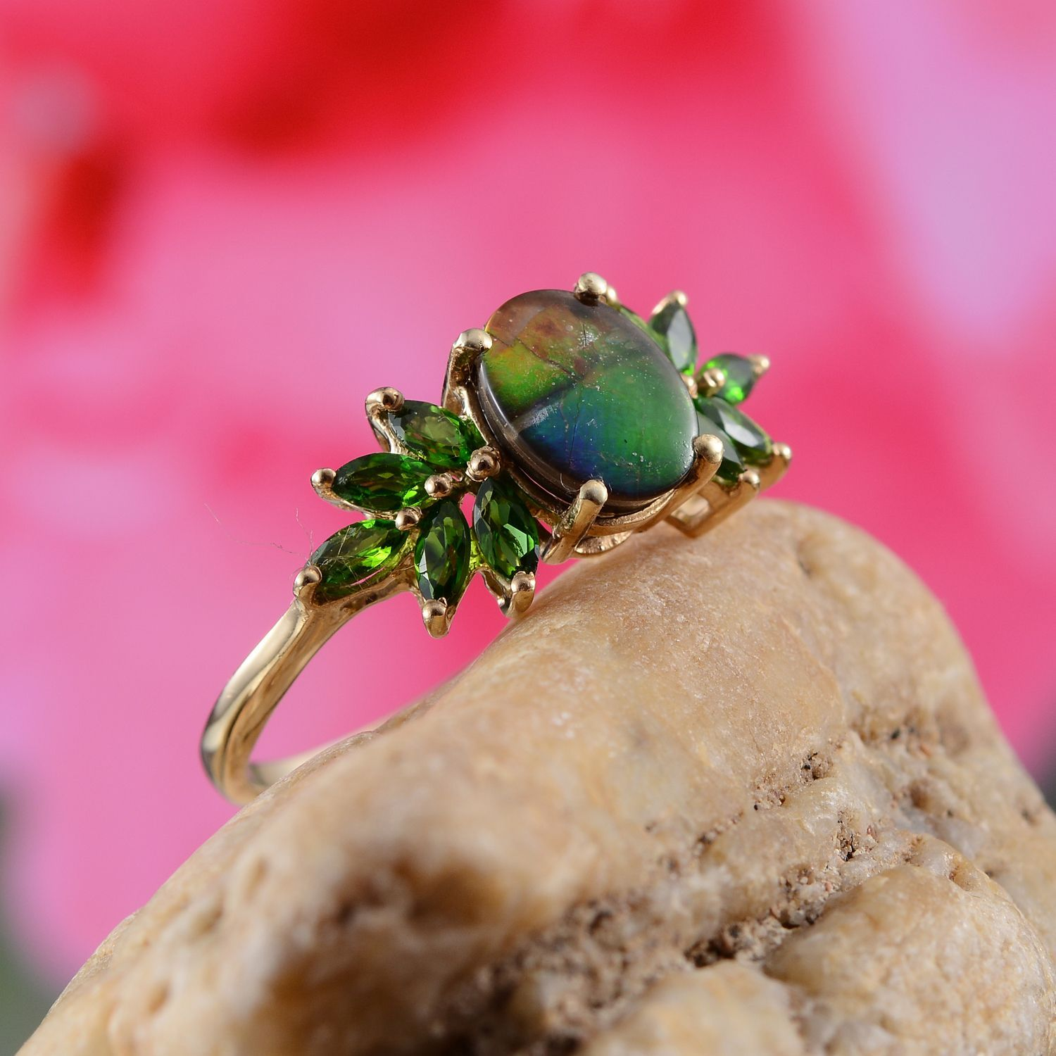 Canadian Ammolite (Ovl 1.75 Ct), Russian Diopside Ring in 14K YG ...