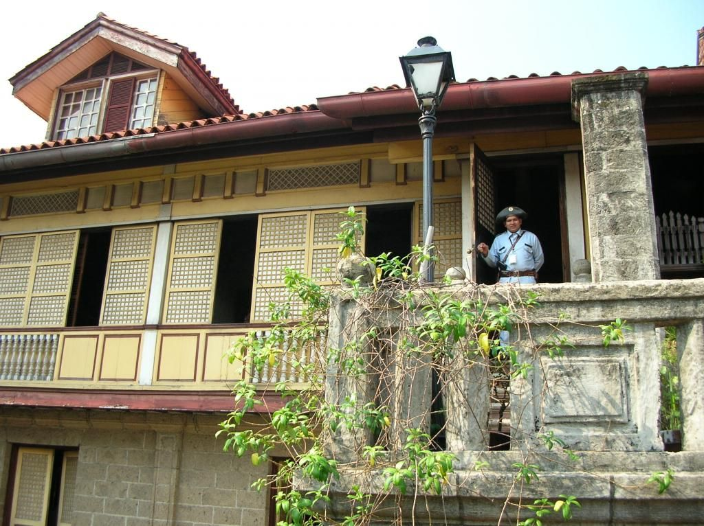 Old Filipino Style House in Manila | Philippine Ancestral