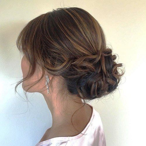 27 Voguish Hairstyles For Women Over 50 That Look Awe