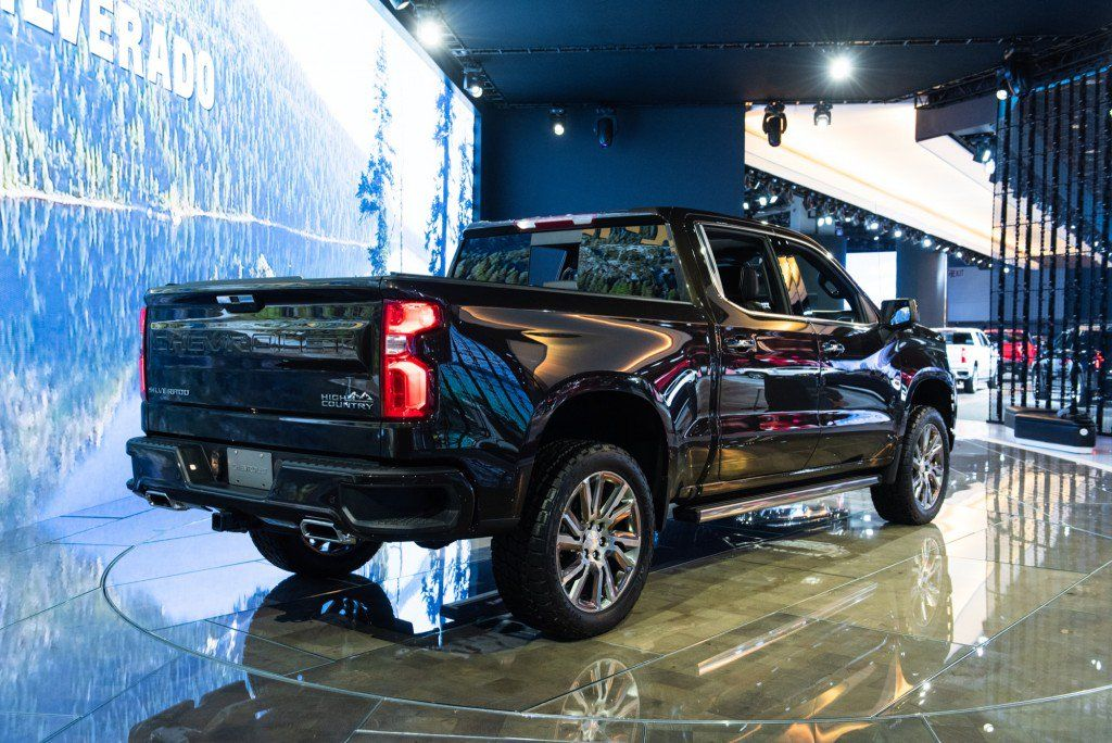 Which Gm Truck Will Get Gm S New Innovative Tonneau Cover And