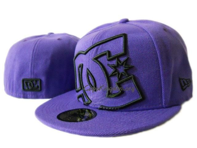 ac4ec8e5ca637 DC Shoes Coverage New Era Fitted Hat Purple Black (size 7)