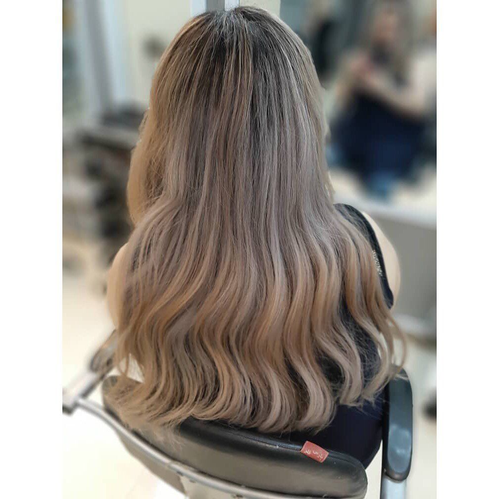 Hair Haircolor Hairstyles Conturing Highlights Highlightshair Ombrehair Sombre Loreal Lorealcolorista Lorealpro Lorealcolor Vitamine Ker Hair Styles Long Hair Styles About Hair