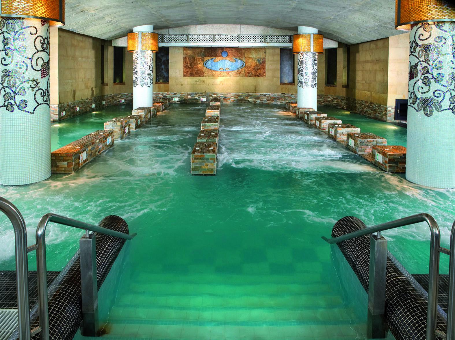 San Sebastian La Perla Spa Baths Piscina De Hidroterapia Do The Circuit Here Amazing Perlas Balneario Piscinas