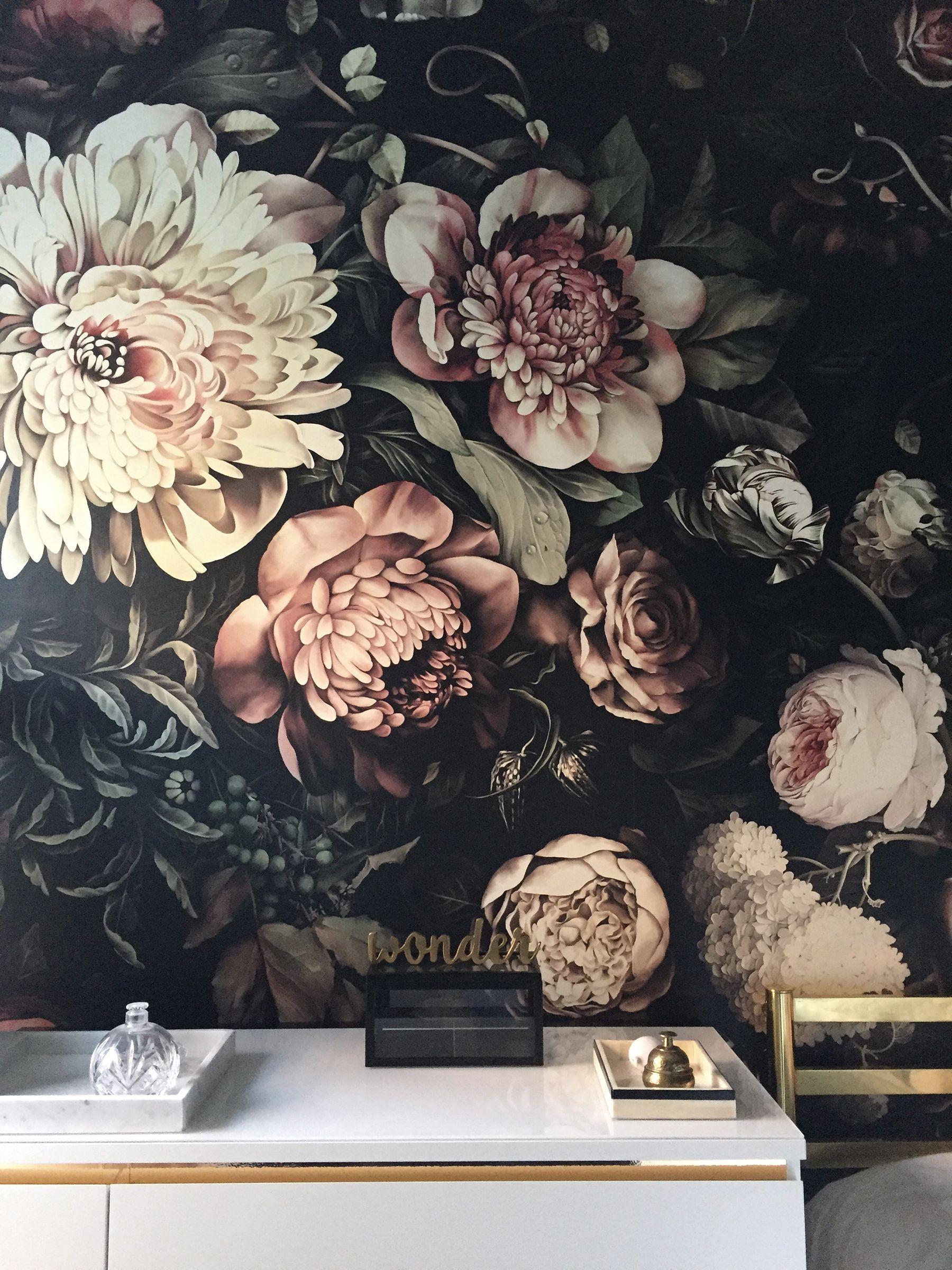 One Room Challenge Week Five » A Wonder of a Wallpaper