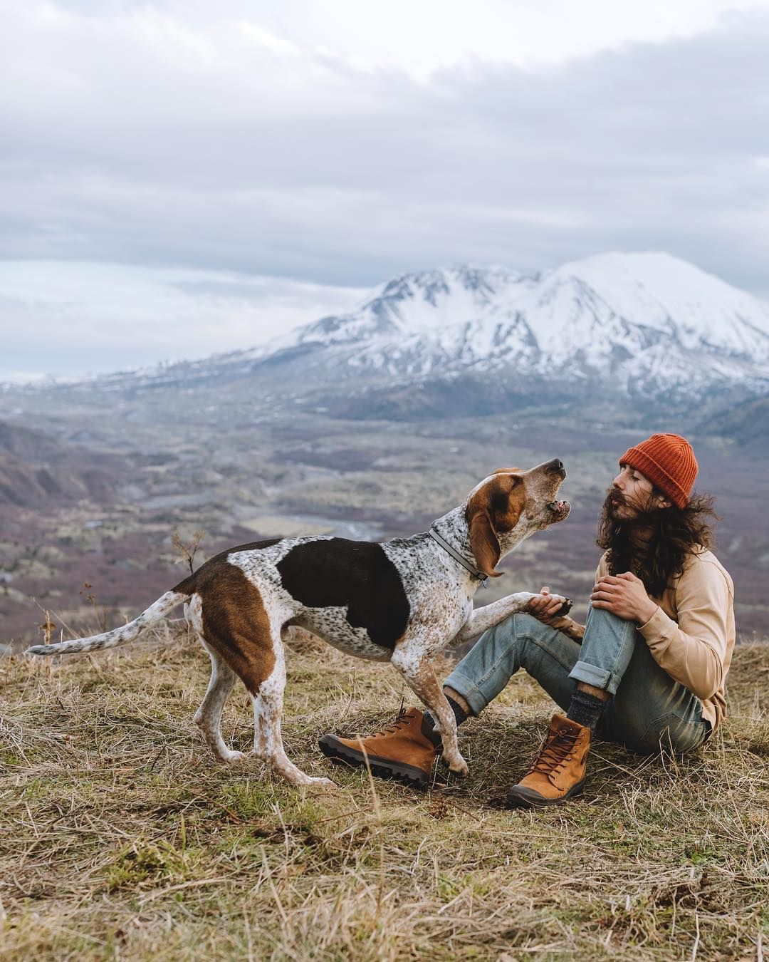 """Juneau on Instagram """"Howling with the best friend. Photo"""