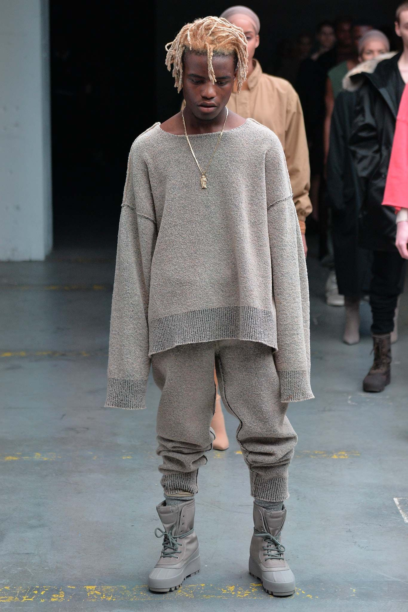 Kanye West X Adidas Originals Fall 2015 Ready To Wear Collection Gallery Style Com Yeezy Fashion Kanye West Style Kanye West Adidas Originals