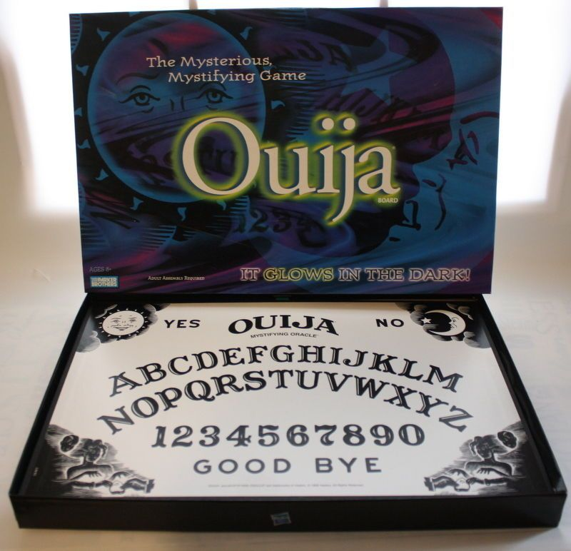 Parker Brothers Glow-in-the-Dark Ouija Board Game Halloween