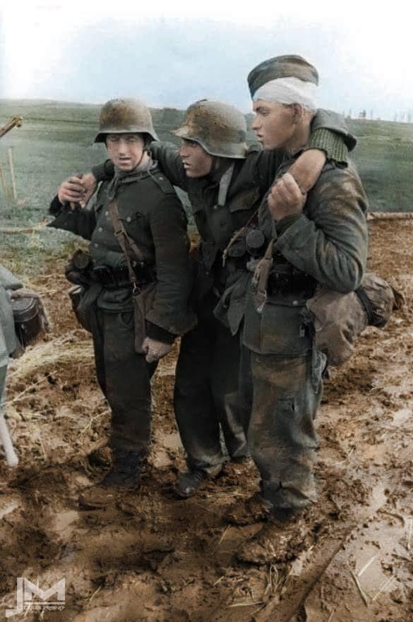 Pin Auf Wehrmacht In Farbe