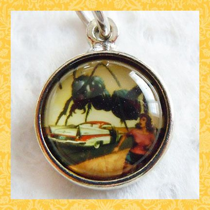 "Vintage design bubble B-MOVIE ATTACK ~ GIANT ANT charm 5/8"" $20"