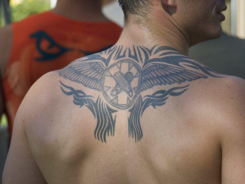 Das beliebte Tattoo von Teenagern: Engelsflügel - Vorlagen