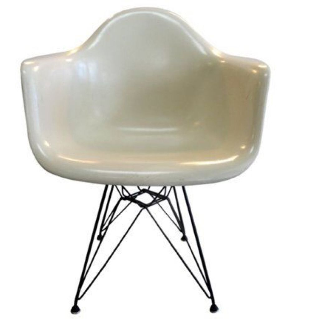 SHOP IT ➡️Herman Miller Eames Chair ⚡️ #hermanmiller #eames #chair https://www.theshopally.com/celinefloat/20160201/shop-it-herman-miller-eames-chair-hermanmiller-eam