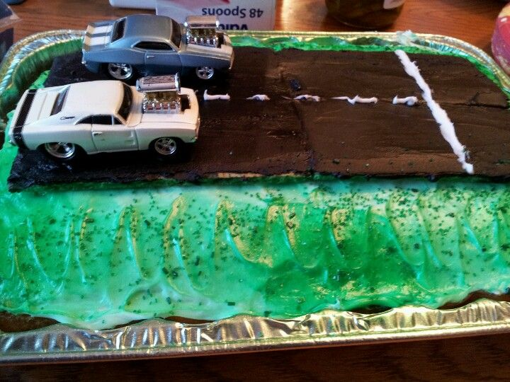 Drag Racing Cookie Cakes