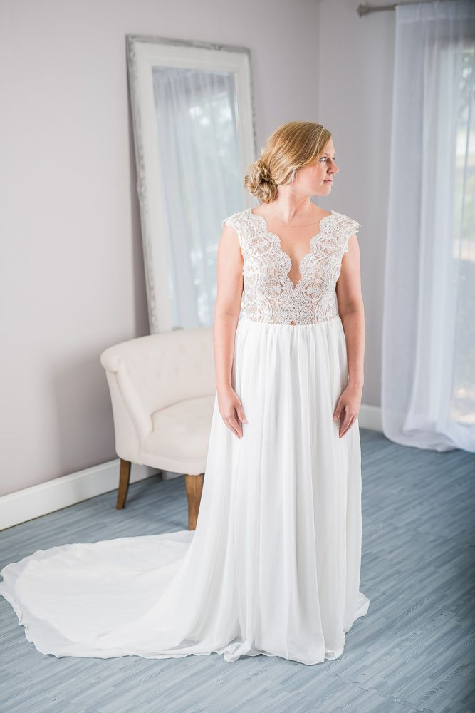 Simply Bridal New Never Worn Illusion Bodice Wedding Dress For